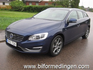 Volvo V60 D4 AWD 181 Ocean Race Business Edition Aut Navi Drag Sv-såld 1 ägare Leasbar 2015