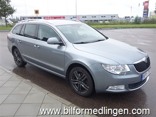 Skoda Superb 2.0 TDI DSG 170hk Dragkrok 2011