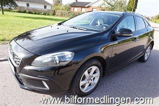 Volvo V40 Cross Country D3 150hk Momentum  VOC BE Pro Panorama Navi Drag Sv-såld 1 ägare Leasbar 2014