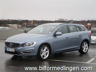 Volvo V60 D5 AWD Twin Engine Plug-In 2017