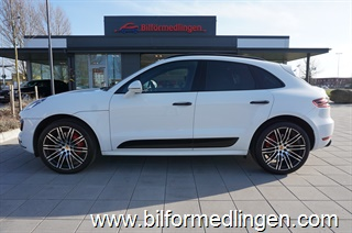 Porsche Macan 3.6 Turbo 440hk Sport Chrono Aut Skinn Navi Connect plus Dragkrok Panorama glastak Svensksåld
