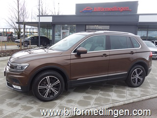 Volkswagen Tiguan 2.0 TDI 4MOTION 190hk DSG Executive Momsbil Dynamic Light Assist Panoramatak Navi Svensksåld 2017