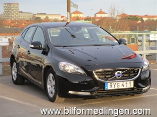 Volvo V40 D2 115hk Kinetic, High Performance Sound System, Intelligent Driver Information System, City Safety 2, Clean Zone 2015