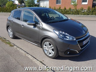 Peugeot 208 PureTech 5dr 82hk Style Panorama V-hjul 1 ägare