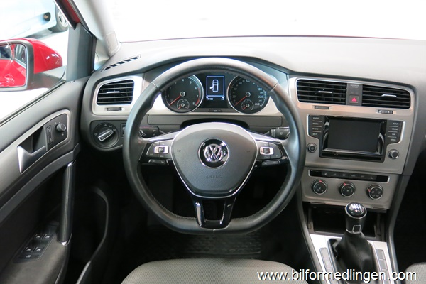 235276 Volkswagen Golf